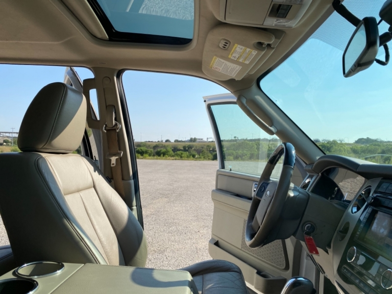 Ford Expedition 2013 price $17,477
