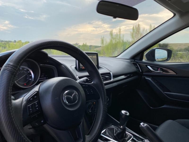 Mazda Mazda3 2015 price $12,777