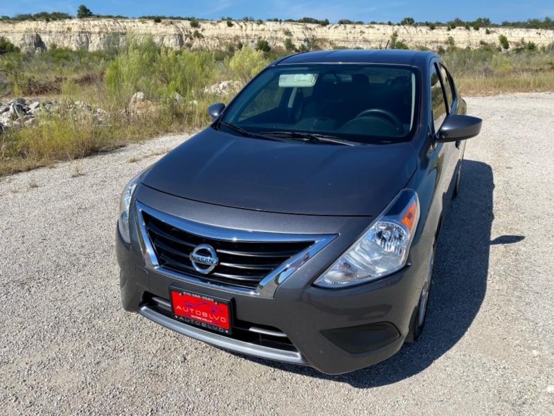 Nissan Versa Sedan 2019 price $11,988