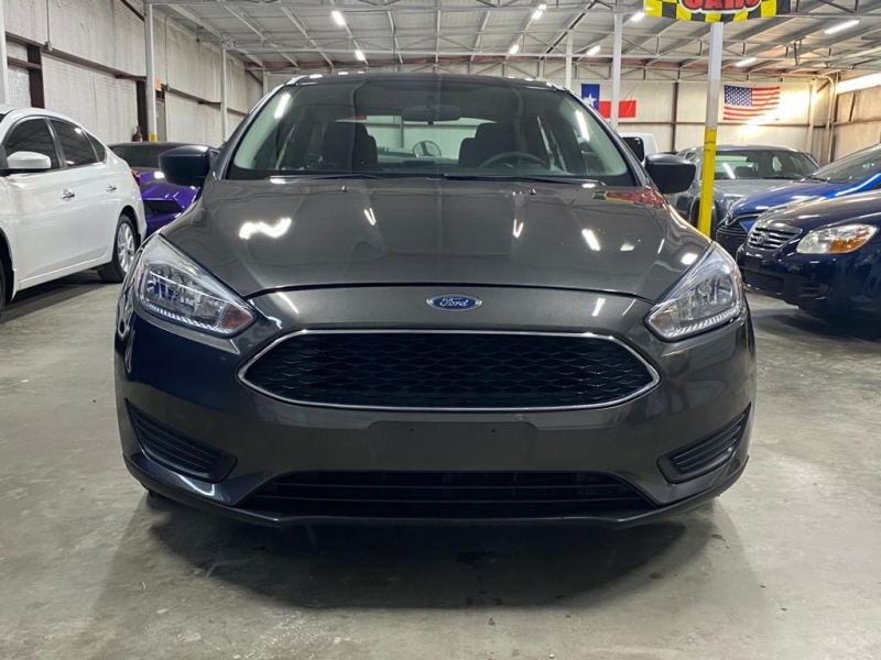 Ford Focus 2017 price $7,999