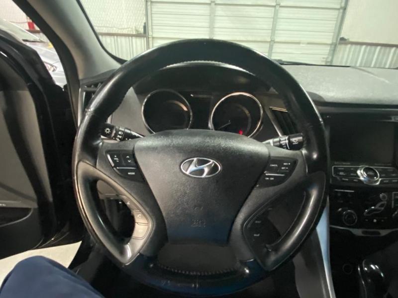 Hyundai Sonata Hybrid 2015 price $7,999