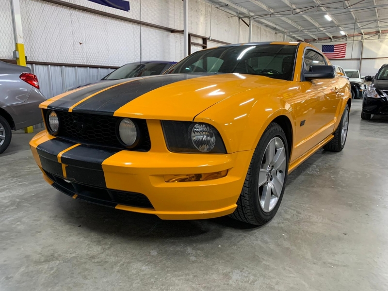 Ford Mustang 2007 price $7,999