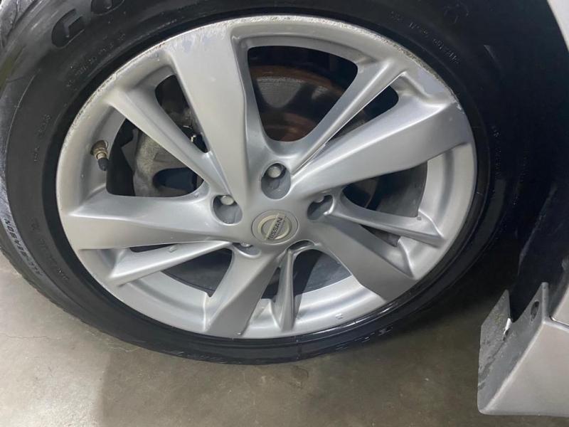Nissan Altima 2015 price $7,999