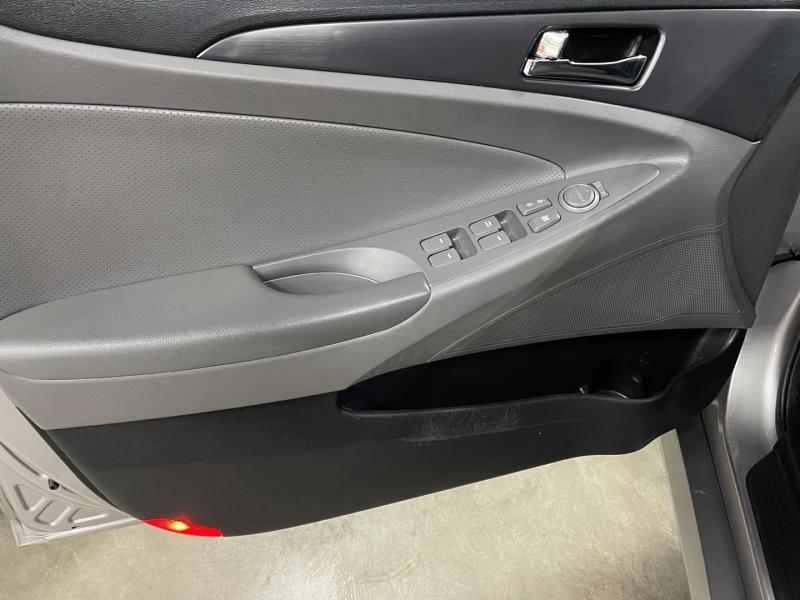 Hyundai Sonata 2012 price $7,999