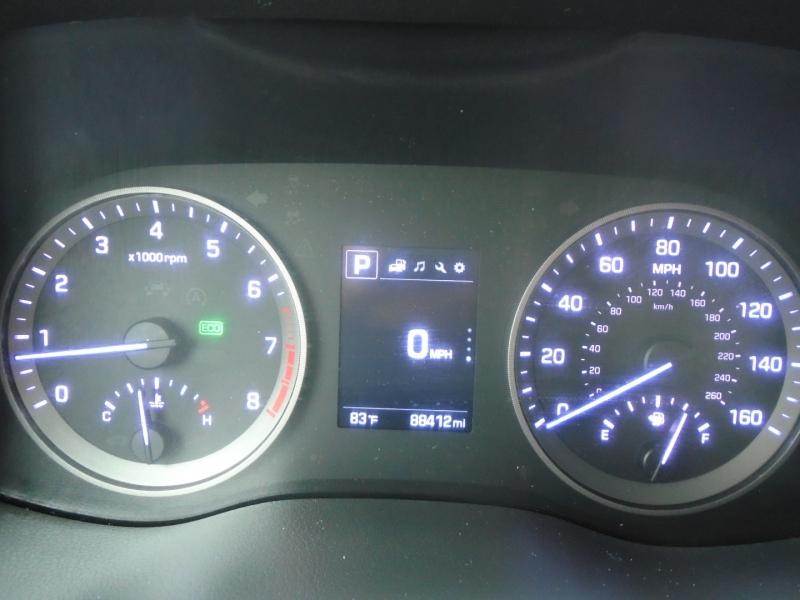 Hyundai Tucson 2016 price $13,995