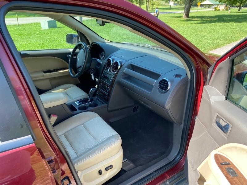 Ford Taurus X 2008 price $5,400