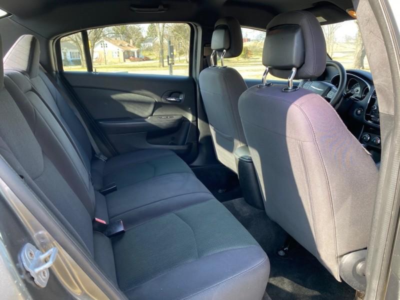 Chrysler 200 2012 price $5,250