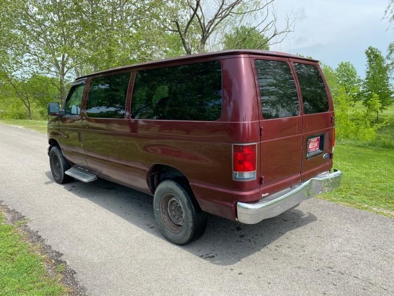 Ford Econoline Wagon 2006 price $5,495