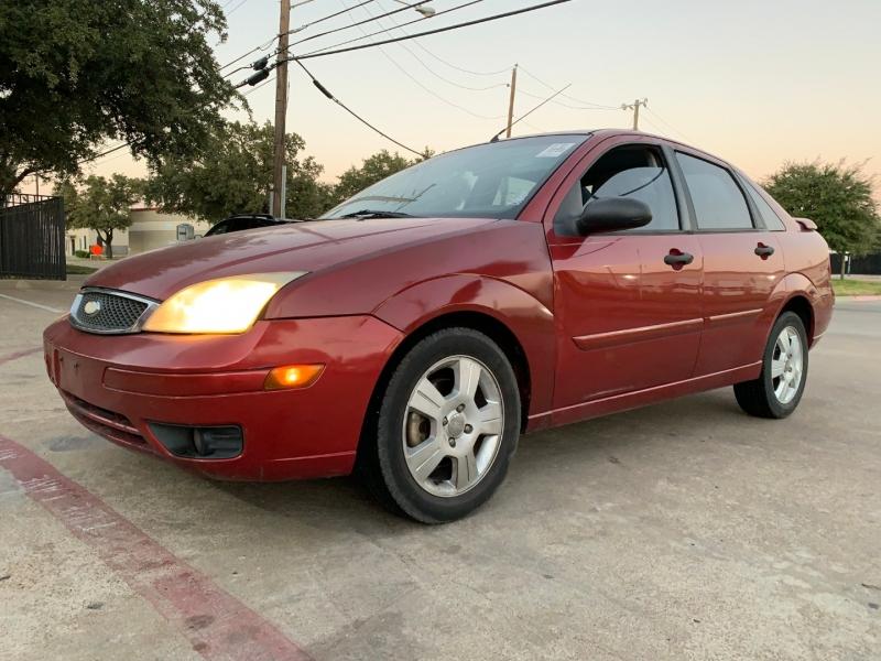 Ford Focus 2005 price $2,200