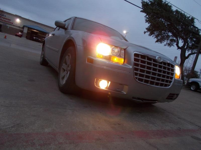 Chrysler 300 2006 price $3,500