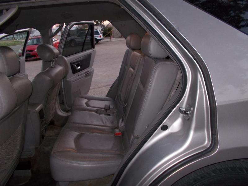 Cadillac SRX 2006 price $3,200