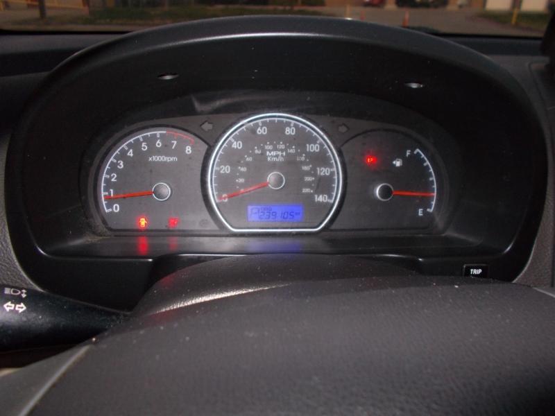 Hyundai Elantra 2010 price $1,950