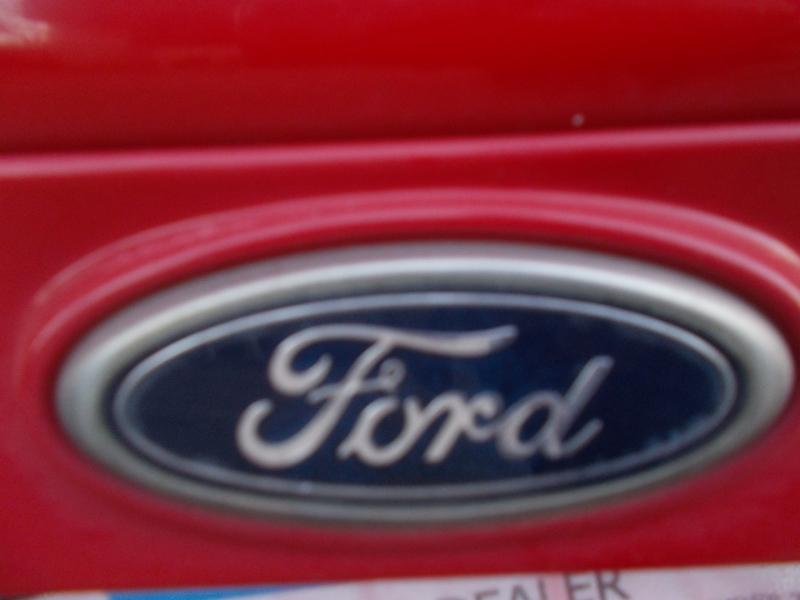 Ford Focus 2006 price $2,200