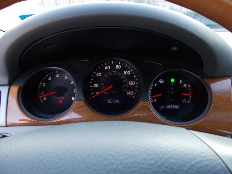 Lexus ES 330 2005 price $3,950