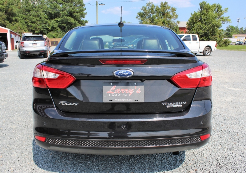 Ford Focus 2013 price $7,600