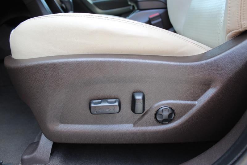 Hyundai Santa Fe 2013 price $10,800
