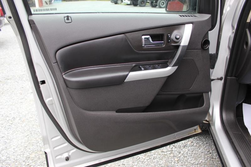 Ford Edge 2013 price $10,400