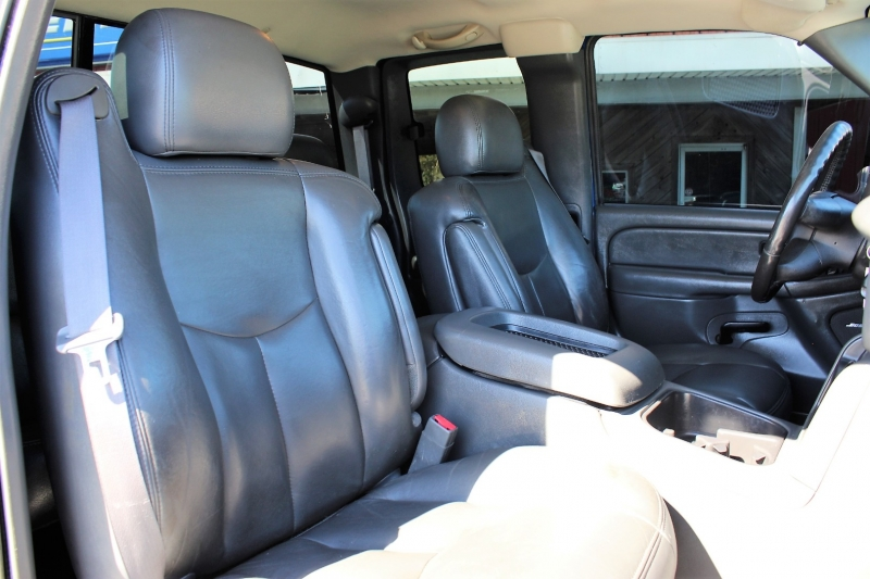 GMC Sierra 2500HD 2004 price $16,500