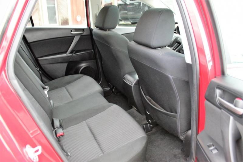 Mazda Mazda3 2013 price $9,800