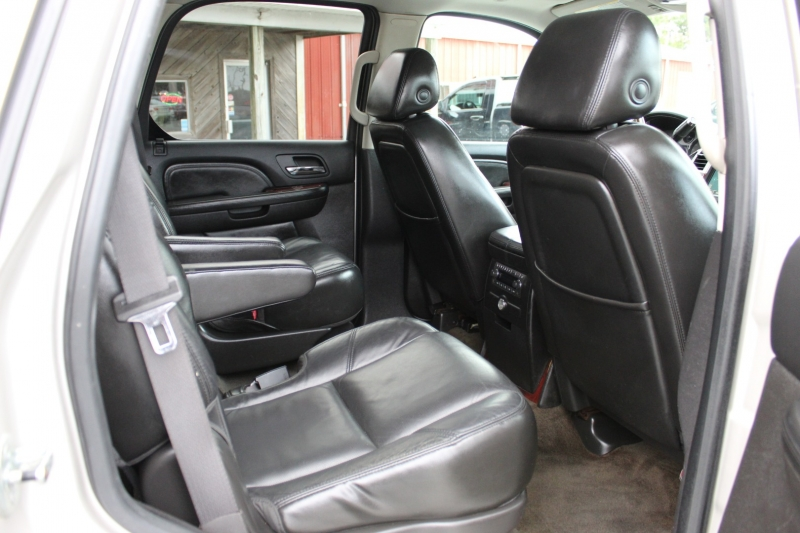 Cadillac Escalade 2008 price $11,500
