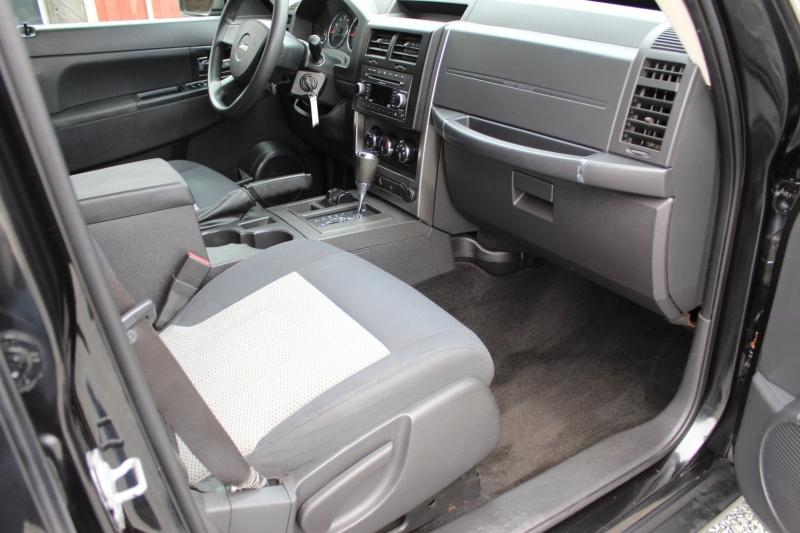 Jeep Liberty 2009 price $8,500