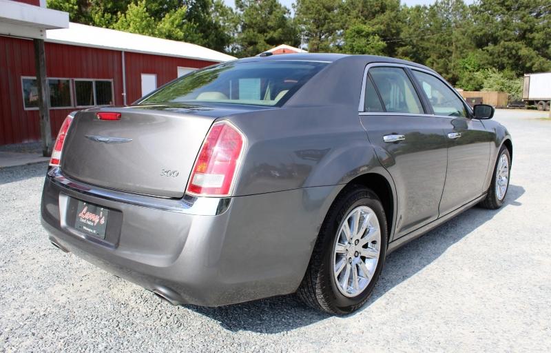 Chrysler 300 2012 price $11,250