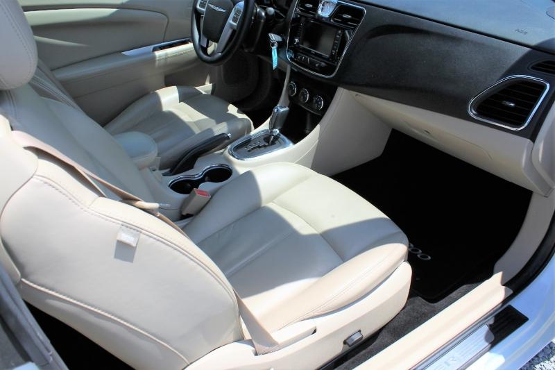 Chrysler 200 2014 price $15,500