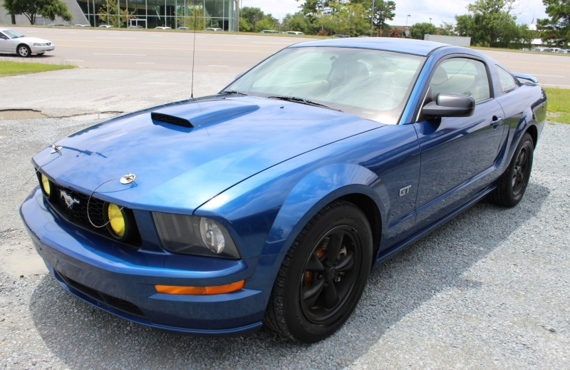Ford Mustang 2008 price $11,900