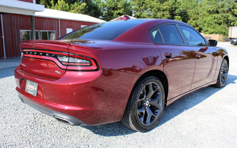 Dodge Charger 2018 price $27,300