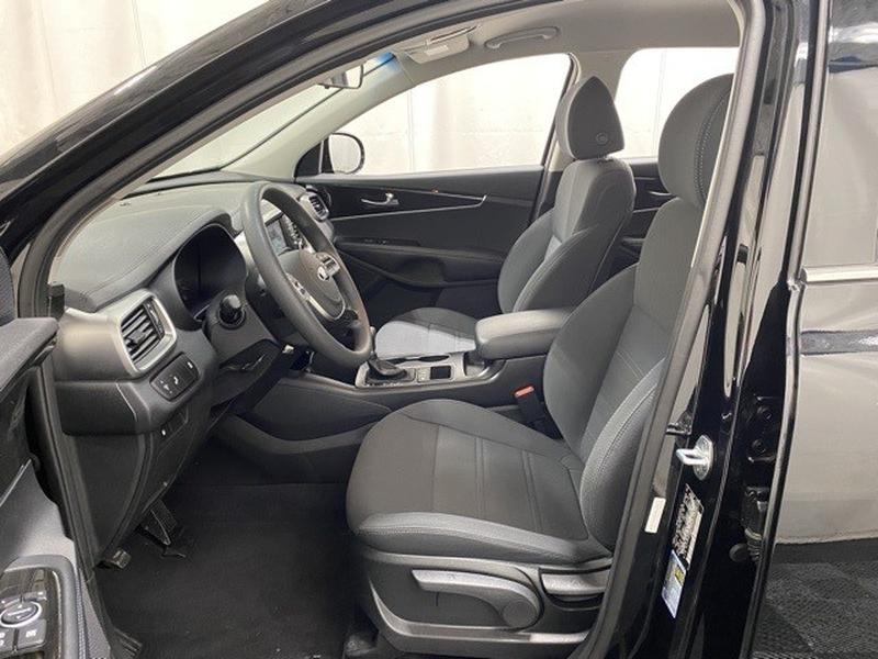 Kia Sorento 2019 price $27,999