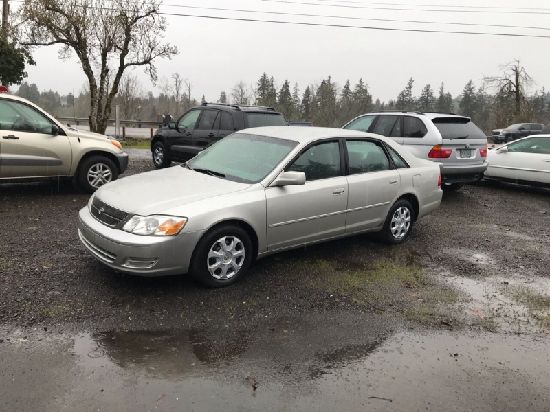 Toyota Avalon 2001 price $2,750