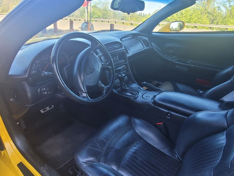 Chevrolet Corvette 2000 price $14,500