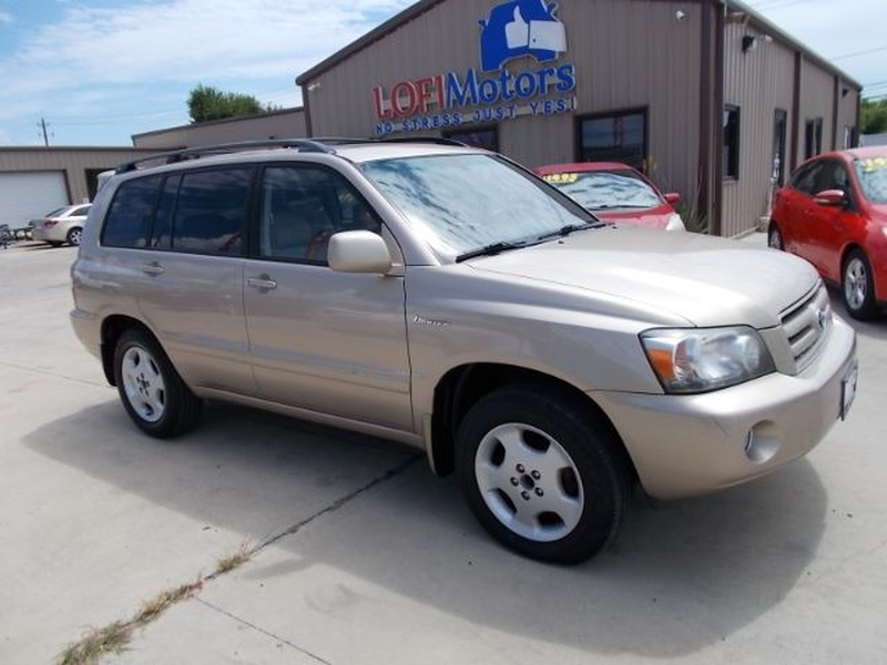 Toyota Highlander 2004 price $0