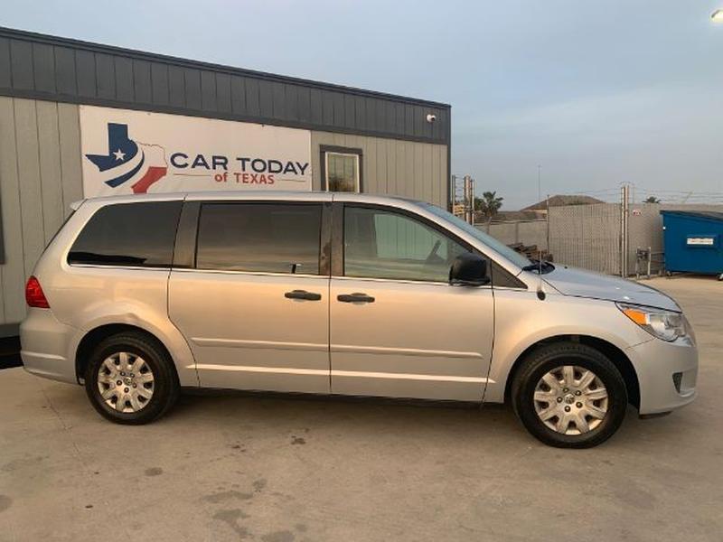 Volkswagen Routan 2011 price $0