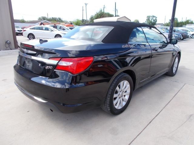 Chrysler 200 2013 price Call for pricing