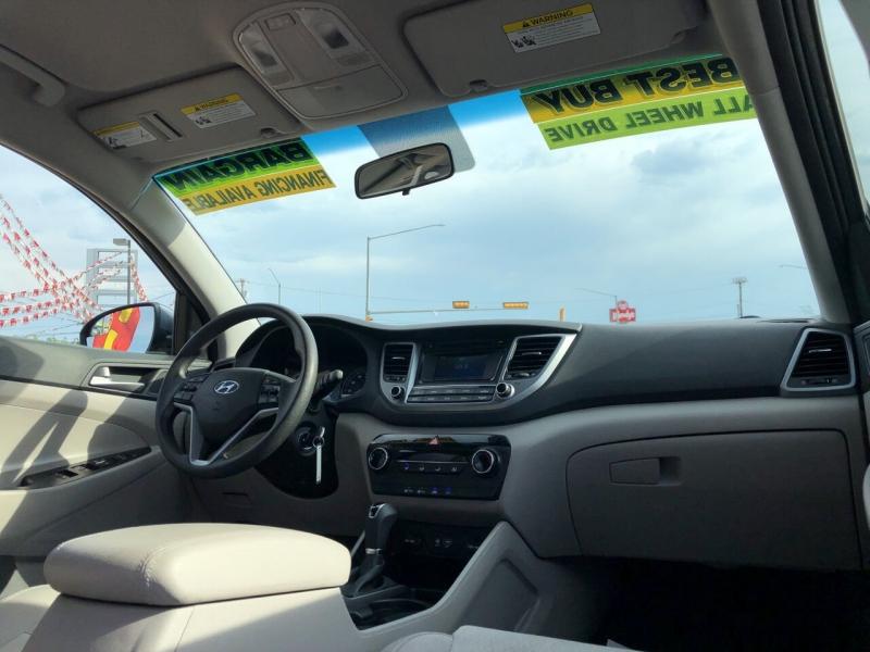 Hyundai Tucson 2018 price Call for Pricing.