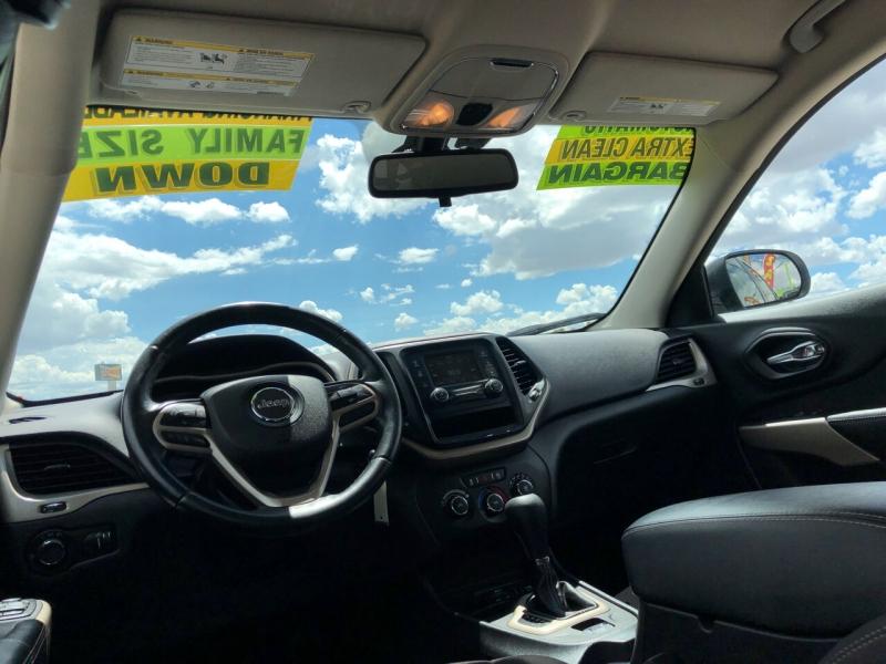 Jeep Cherokee 2017 price $15,495