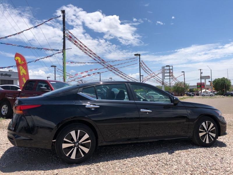 Nissan Altima 2021 price $22,995