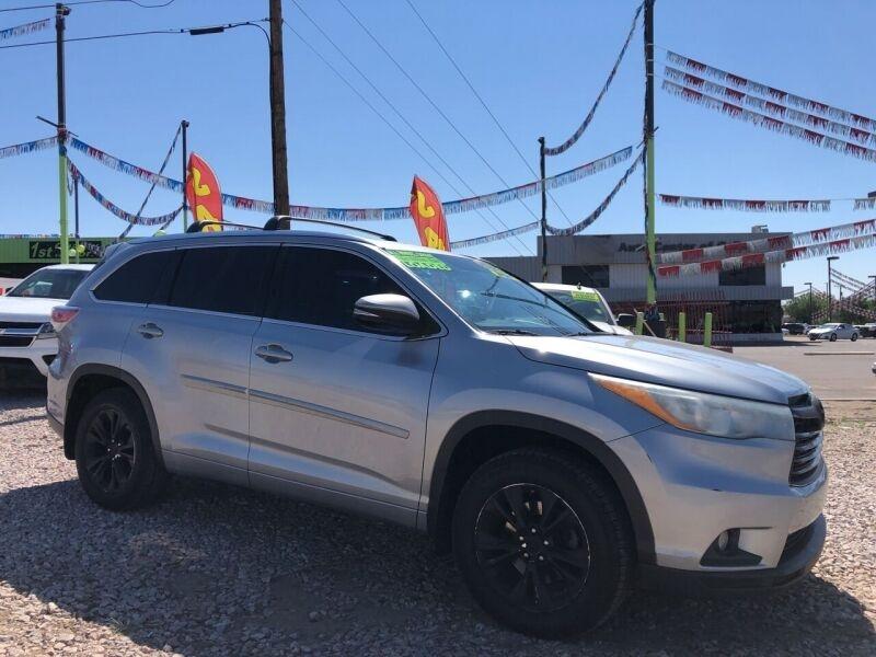 Toyota Highlander 2015 price $20,995