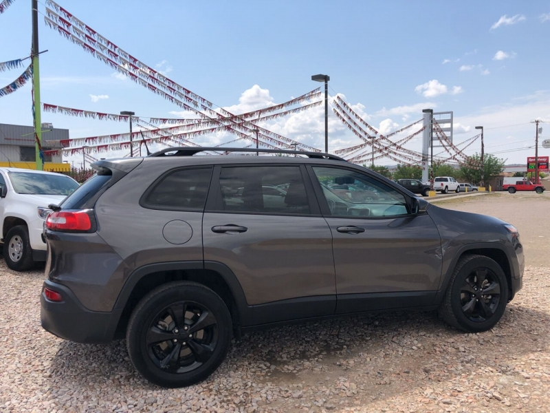 Jeep Cherokee 2018 price Call for Pricing.