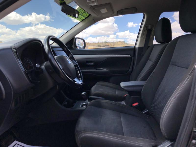Mitsubishi Outlander 2016 price $11,995