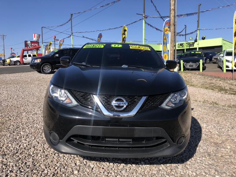 Nissan Rogue Sport 2017 price $16,995