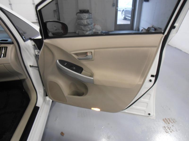 Toyota Prius 2015 price $10,998