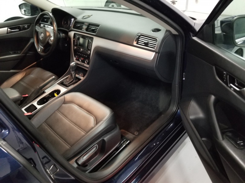 Volkswagen Passat 2013 price $10,998