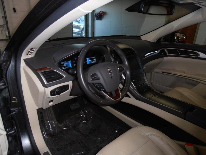 Lincoln MKZ 2015 price $14,198