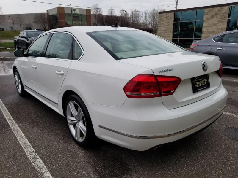 Volkswagen Passat 2013 price $9,998