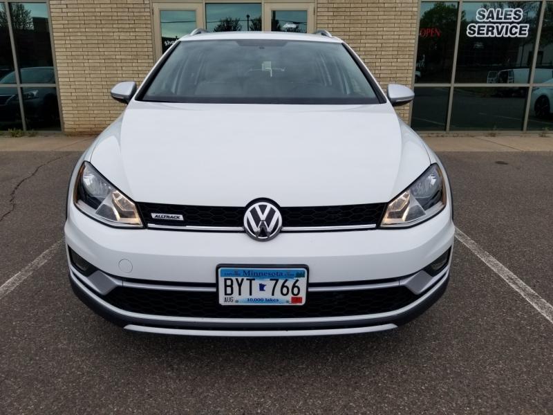 Volkswagen Golf Alltrack 2017 price $21,998