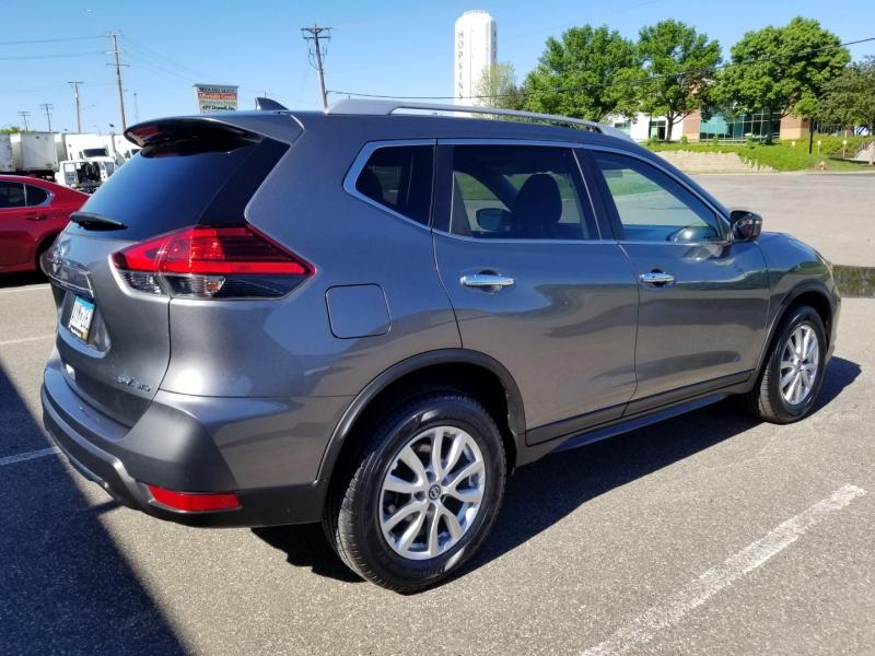 Nissan Rogue 2017 price $17,898