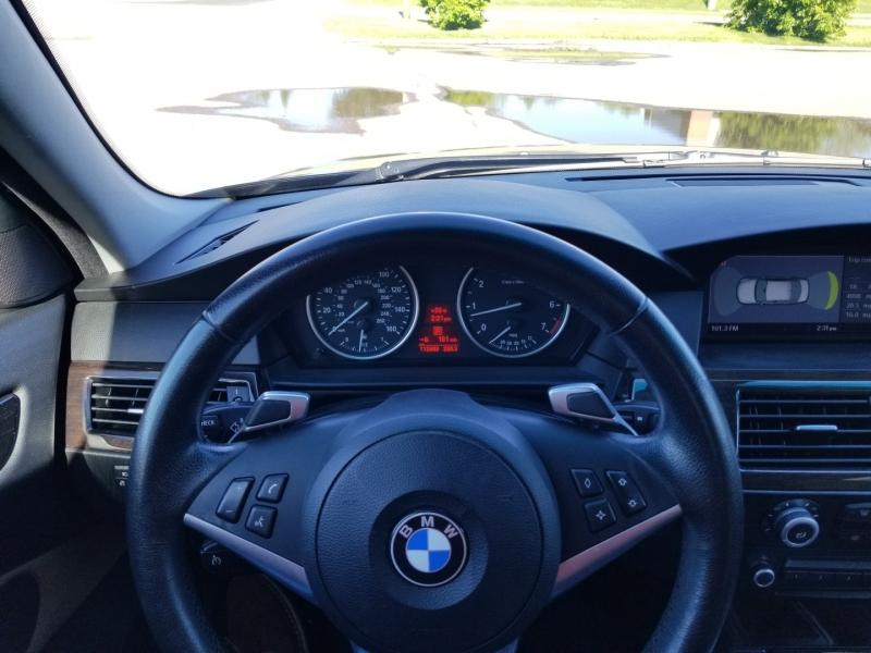 BMW 5-Series 2009 price $11,798