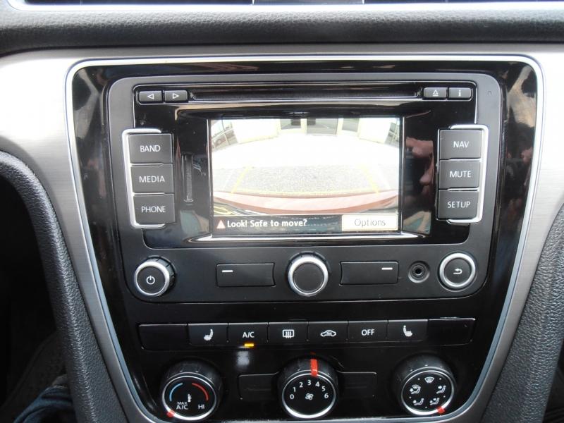 Volkswagen Passat 2015 price $14,998